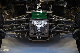 Renault F1 Team R.S.20 front suspension detail