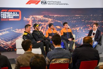 Marcin Budkowski, Renault F1 Team, Daniel Ricciardo, Renault F1, Carlos Sainz Jr., McLaren, and James Key, Technical Director, McLaren in the press conference