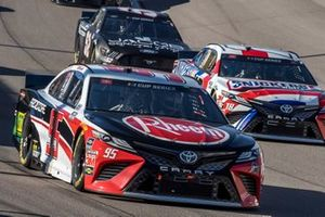 Christopher Bell, Leavine Family Racing, Toyota Camry Rheem-RTP, Kyle Busch, Joe Gibbs Racing, Toyota Camry Snickers White