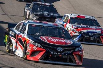 Christopher Bell, Leavine Family Racing, Toyota Camry Rheem-RTP, Kyle Busch, Joe Gibbs Racing, Toyota Camry Snickers White