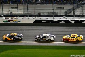 Clint Bowyer, Stewart-Haas Racing, Ford Mustang Rush / Mobil 1, Aric Almirola, Stewart-Haas Racing, Ford Mustang Smithfield and Joey Logano, Team Penske, Ford Mustang Shell Pennzoil