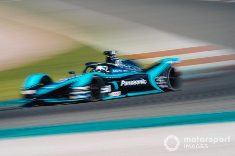 15º James Calado, Panasonic Jaguar Racing, Jaguar I-Type 4 (1:15.624)