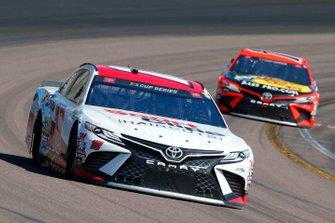 Kyle Busch, Joe Gibbs Racing, Toyota Camry Sport Clips, Martin Truex Jr., Joe Gibbs Racing, Toyota Camry Bass Pro Shops