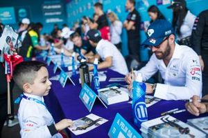 A young fan with Jean-Eric Vergne, DS Techeetah at the autograph session