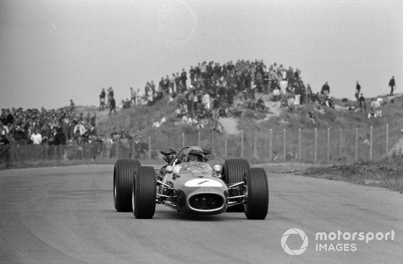 Zandvoort 1967: Jack Brabham op pad door de duinen