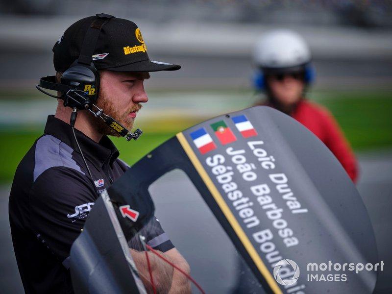 JDC-Miller Motorsports crew members