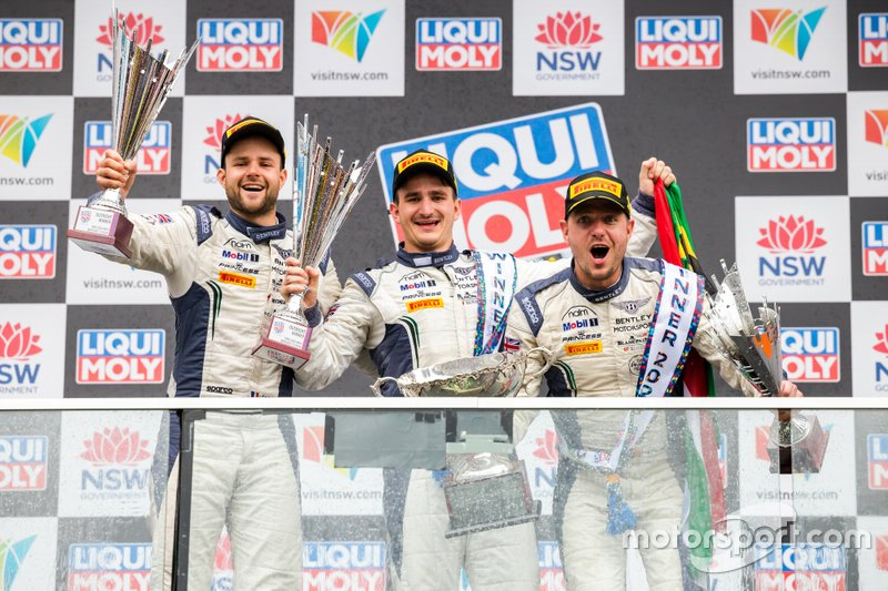 Podio: il vincitore #7 Bentley Team M-Sport Bentley Continental GT3: Jules Gounon, Maxime Soulet, Jordan Pepper