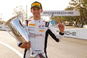 Ganador de la pole #911 Absolute Racing Porsche GT3 R: Matt Campbell