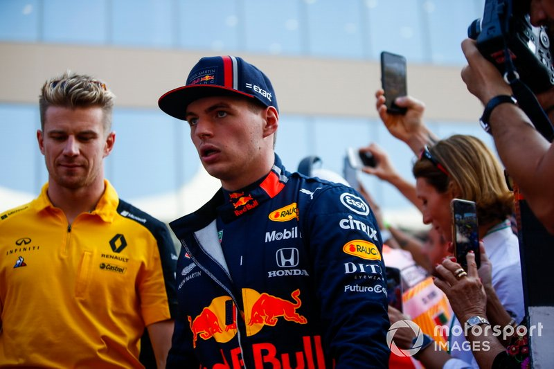 Nico Hulkenberg, Renault F1 Team, e Max Verstappen, Red Bull Racing