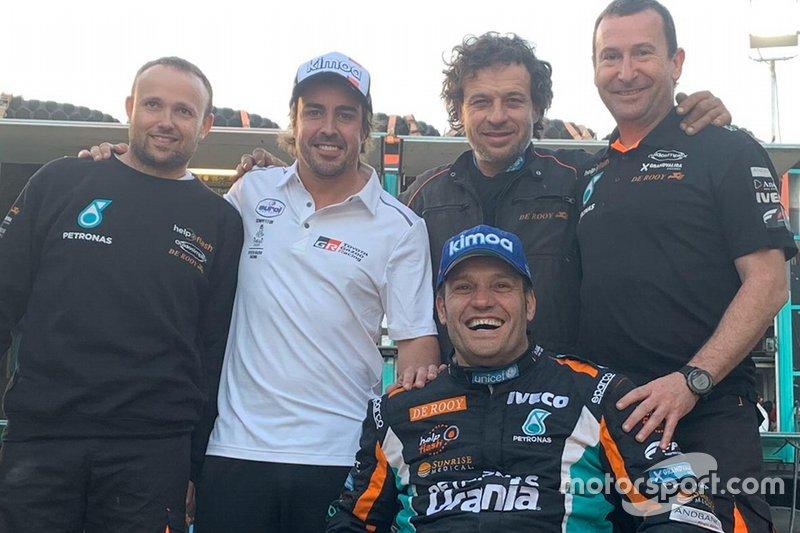 #517 Team De Rooy IVECO: Albert Llovera, Ferran Marco Alcayna, Marc Torres with #310 Toyota Gazoo Racing: Fernando Alonso