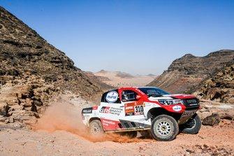 Фернандо Алонсо и Марк Кома, Toyota Gazoo Racing, Toyota Hilux (№310)