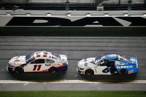 Denny Hamlin, Joe Gibbs Racing, Toyota Camry FedEx Express, Ryan Newman, Roush Fenway Racing, Ford Mustang Koch Industries