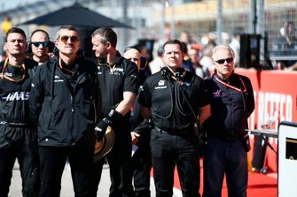 Guenther Steiner, Team Principal, Haas F1 Team, and Gene Haas, Owner and Founder, Haas F1 Team, on the grid