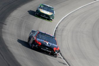 Clint Bowyer, Stewart-Haas Racing, Ford Mustang Mobil 1 / Rush Truck Centers