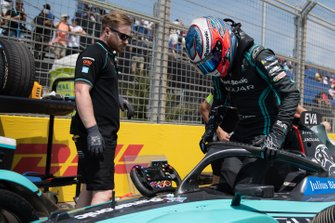 Mitch Evans, Jaguar Racing climbs out of his Jaguar I-Type 4 on the grid