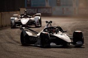 Нико Мюллер, Dragon Racing, Penske EV-4, и Нил Джани, Porsche Formula E Team, Porsche 99X Electric