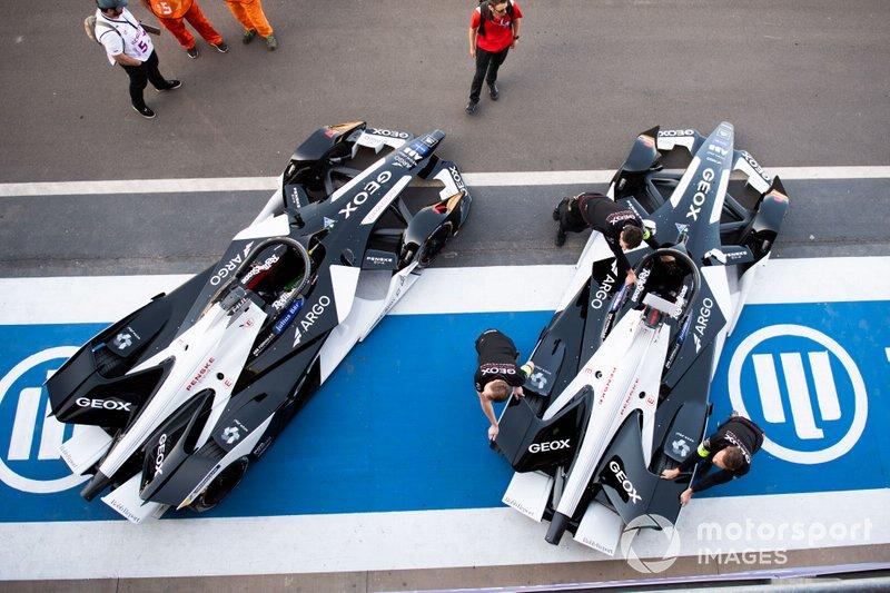 Nico Müller, Dragon Racing, Penske EV-4, Brendon Hartley, Dragon Racing, Penske EV-4 en pit lane