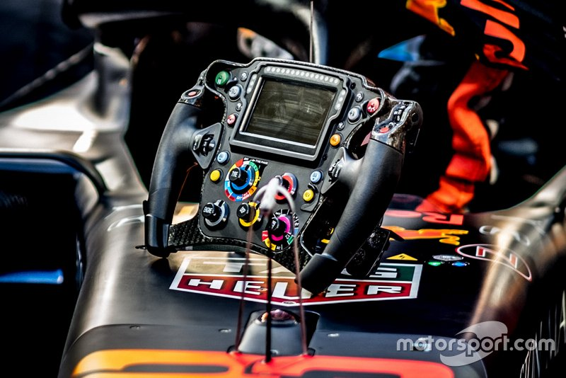 Volante di Alex Albon, Red Bull Racing