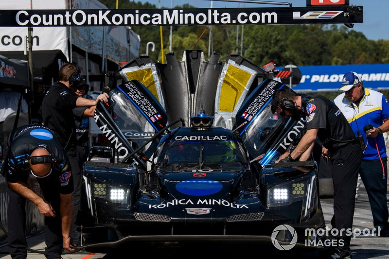 #10 Konica Minolta Cadillac DPi-V.R. Cadillac DPi, DPi: Renger Van Der Zande, Jordan Taylor, Matthieu Vaxiviere