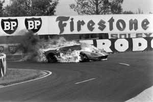 Mike Salmon, Brian Redman, John Wyer Automotive, alla 24 ore di Le Mans del 1965
