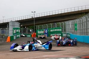 Jake Dennis, BMW i Andretti Motorsport, BMW iFE.21, Nick Cassidy, Envision Virgin Racing, Audi e-tron FE07