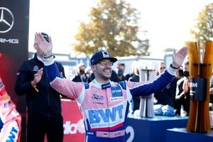 Champion podium: Champion Maximilian Götz, Haupt Racing Team