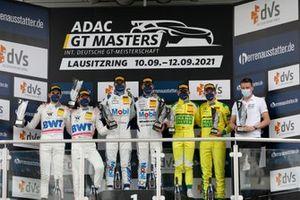 Podium : Les vainqueurs #13 Team Zakspeed Mobil Krankenkasse Racing Mercedes-AMG GT3 Evo: Jules Gounon, Igor Walilko, les deuxièmes #22 Toksport WRT Mercedes-AMG GT3 Evo: Maro Engel, Luca Stolz, les troisièmes #70 Mann-Filter Team Landgraf-HTP WWR Mercedes-AMG GT3 Evo: Raffaele Marciello, Maximilian Buhk