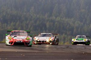 #30 Frikadelli Racing Team Porsche 911 GT3 R: Klaus Abbelen, Felipe Fernández Laser, Axcil Jefferies