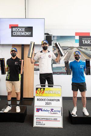 Podium Rookie : le champion Laurin Heinrich, Huber Racing, deuxième place Dorian Boccolacci, Pierre martinet by Alméras, troisième place Harry King, Team Parker Racing