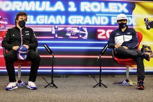 Fernando Alonso, Alpine F1, en Yuki Tsunoda, AlphaTauri, in de persconferentie