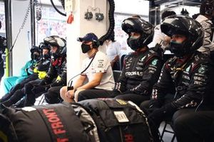 Valtteri Bottas, Mercedes, dans le garage