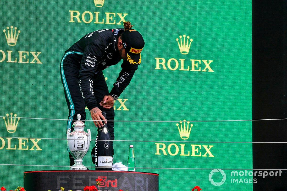 Lewis Hamilton, Mercedes: 9 puan