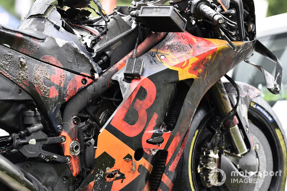 Moto de Dani Pedrosa, Red Bull KTM Factory Racing tras el incendio