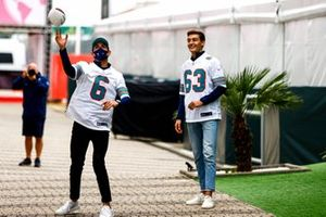 Nicholas Latifi, Williams and George Russell, Williams play NFL in the paddock