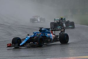 Fernando Alonso, Alpine A521, Valtteri Bottas, Mercedes W12
