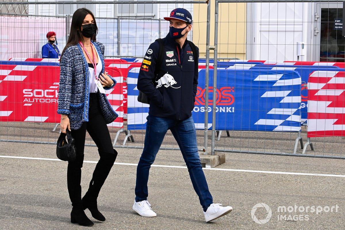 Max Verstappen, Red Bull Racing e Kelly Piquet
