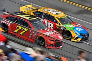 Justin Allgaier, Spire Motorsports, Chevrolet Camaro BRANDT, Kyle Busch, Joe Gibbs Racing, Toyota Camry M&M's