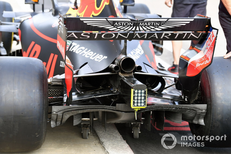 Red Bull Racing RB14 achterzijde