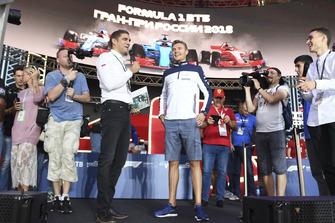 Vitaly Petrov et Sergey Sirotkin, Williams Racing sur scène