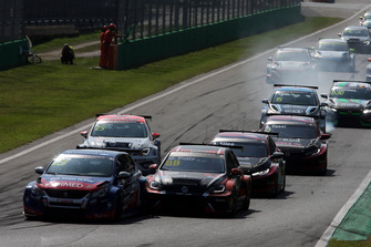 Francisco Abreu, Sports & You Peugeot 308 TCR, Maxime Potty, Comtoyou Racing Volkswagen Golf GTI TCR