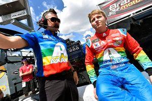William Byron, Hendrick Motorsports, Chevrolet Camaro AXALTA Throwback and Taylor Moyer