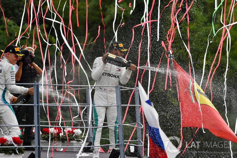 Lewis Hamilton, Mercedes AMG F1 merayakan kemenangan GP Italia