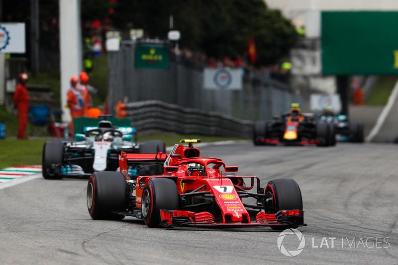 2. Kimi Raikkonen, Ferrari SF71H, leads Lewis Hamilton, Mercedes AMG F1 W09