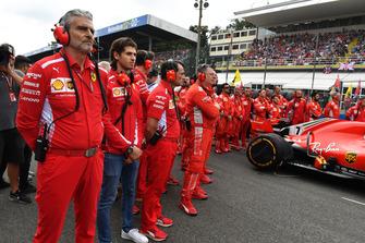 Maurizio Arrivabene, Ferrari Team Principal and Antonio Giovinazzi, Ferrari on the grid