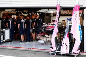 Réunion dans le garage de Force India F1