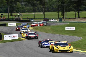 #3 Corvette Racing Chevrolet Corvette C7.R, GTLM - Antonio Garcia, Jan Magnussen, start