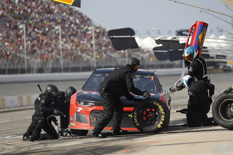 Garrett Smithley, Premium Motorsports, Chevrolet Camaro Victory Lane Quick Oil Change pit stop