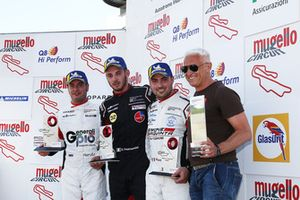 Podio Gara 2: il secondo classificato Matteo Malucelli, Dinamic Motorsport, il vincitore della gara Gianmarco Quaresmini, Dinamic Motorsport, il terzo classificato Simone Iaquinta, Ombra Racing