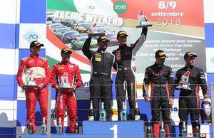 Podio GT3 Gara 1: al secondo posto Fuoco-Cheever, Scuderia Baldini 27, i vincitori Zampieri-Altoè, Antonelli Motorsport, al terzo posto Baruch-Drudi, Audi Sport Italia