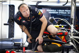 Red Bull Racing mechanic in Red Bull Racing RB14